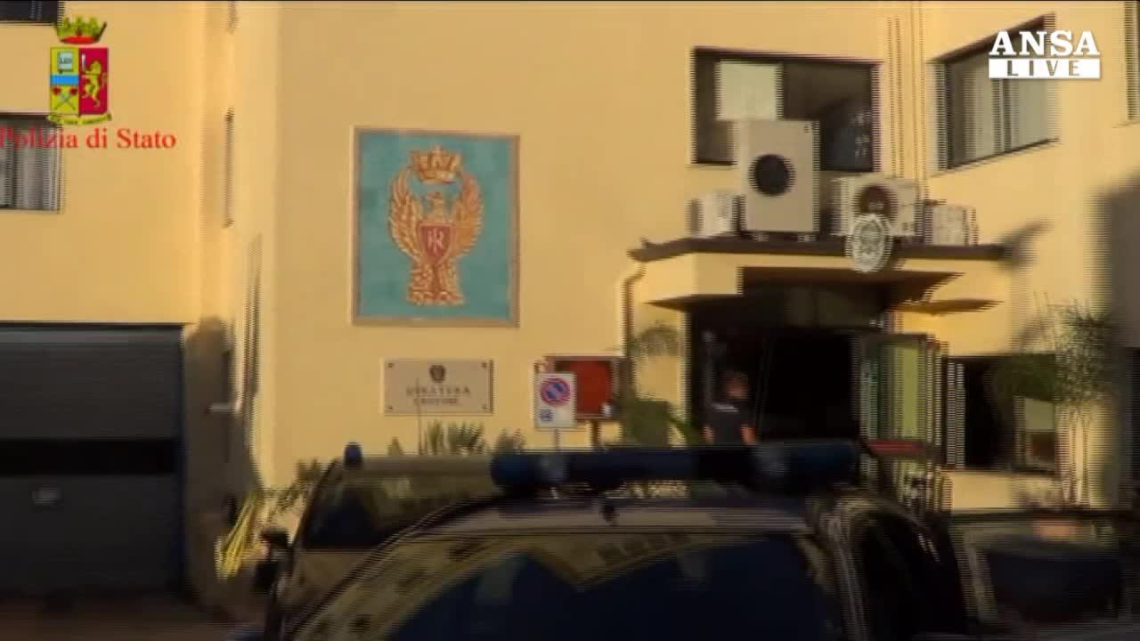 Immigrazione, fermato scafista a Crotone