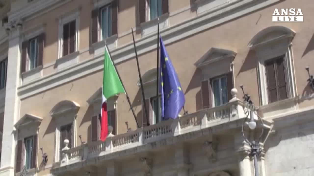 Destra: mai in Italia adozioni gay