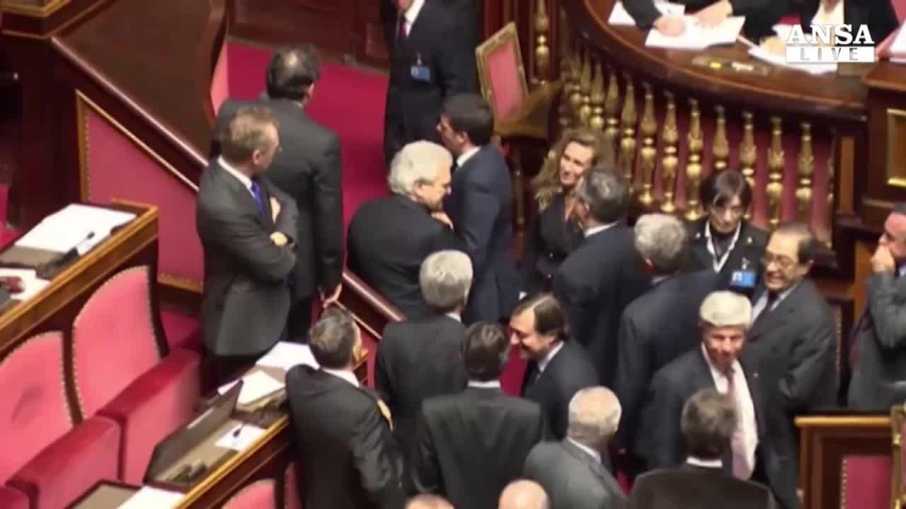 Minoranza Pd attacca. Renzi: gente con me