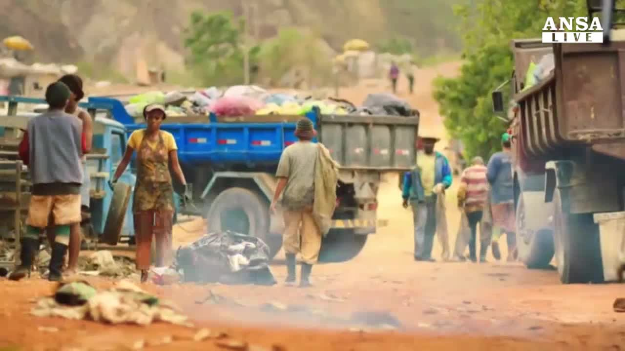 'Trash', favola tra i rifiuti delle favelas