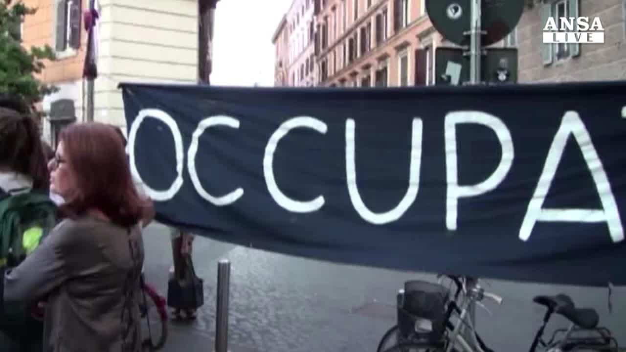 Teatri e cinema chiusi, crisi colpisce cultura a Roma