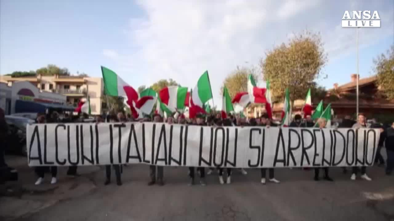 Sit-in di movimenti di ultradestra a Roma contro immigrati