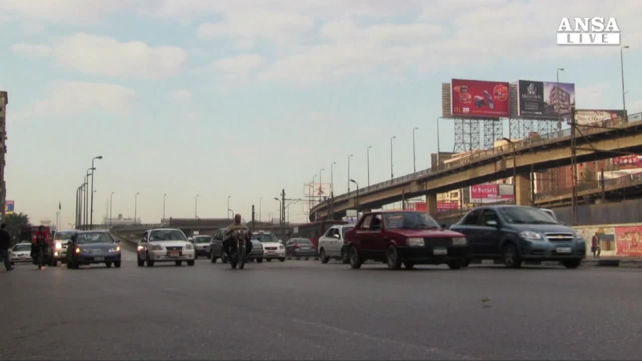 Giro in solitaria in bici attraverso l'Egitto, un ventunenne ci prova