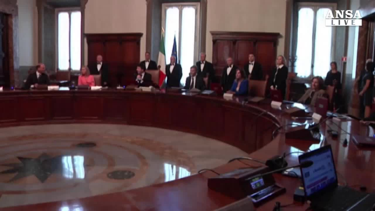 Jobs act, Renzi ignora i dissidenti