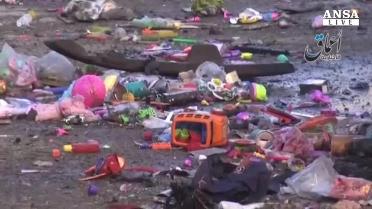 Raqqa sotto le bombe, 95 morti in poche ore