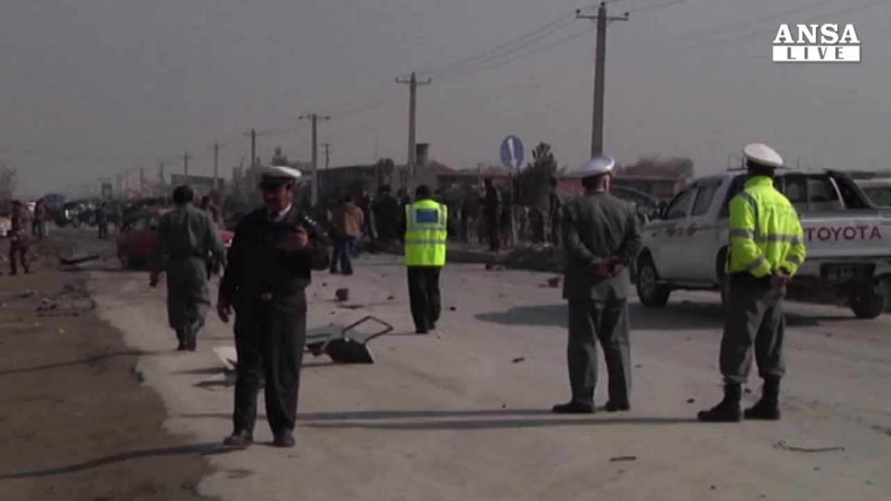 Sangue a Kabul, cinque i morti