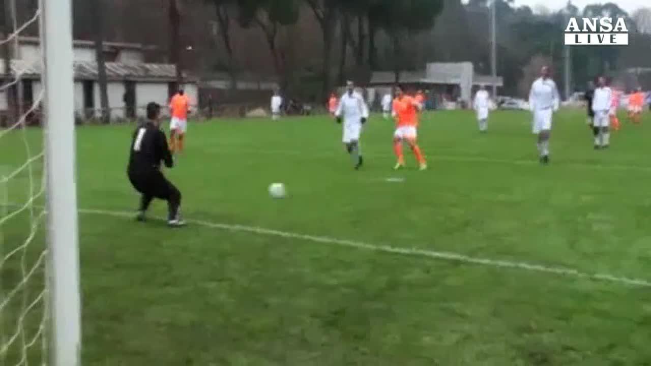 Quadrangolare calcio con Alfano, in campo per la legalita'