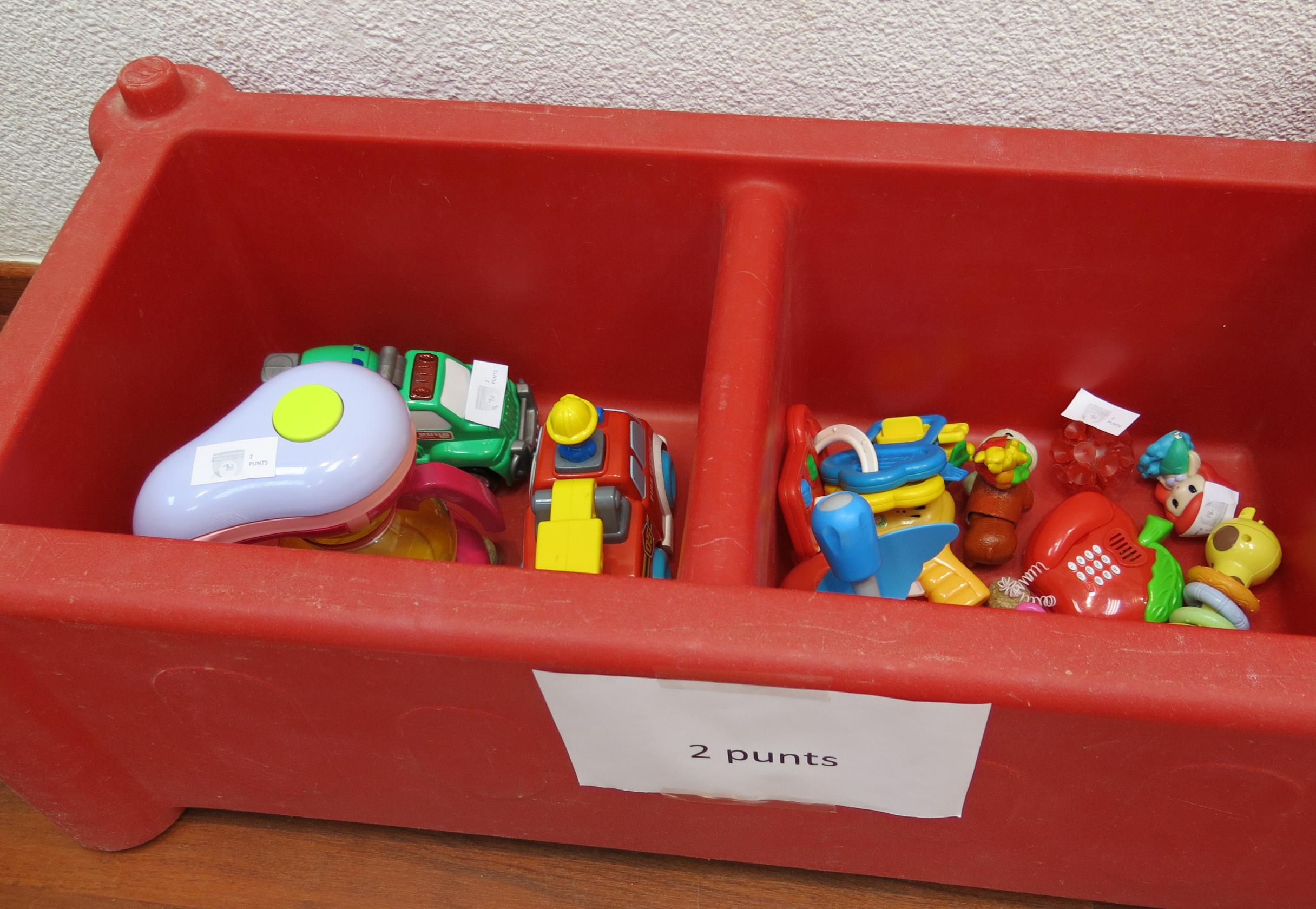 El Ayuntamiento de Barcelona propone intercambiar los juguetes.