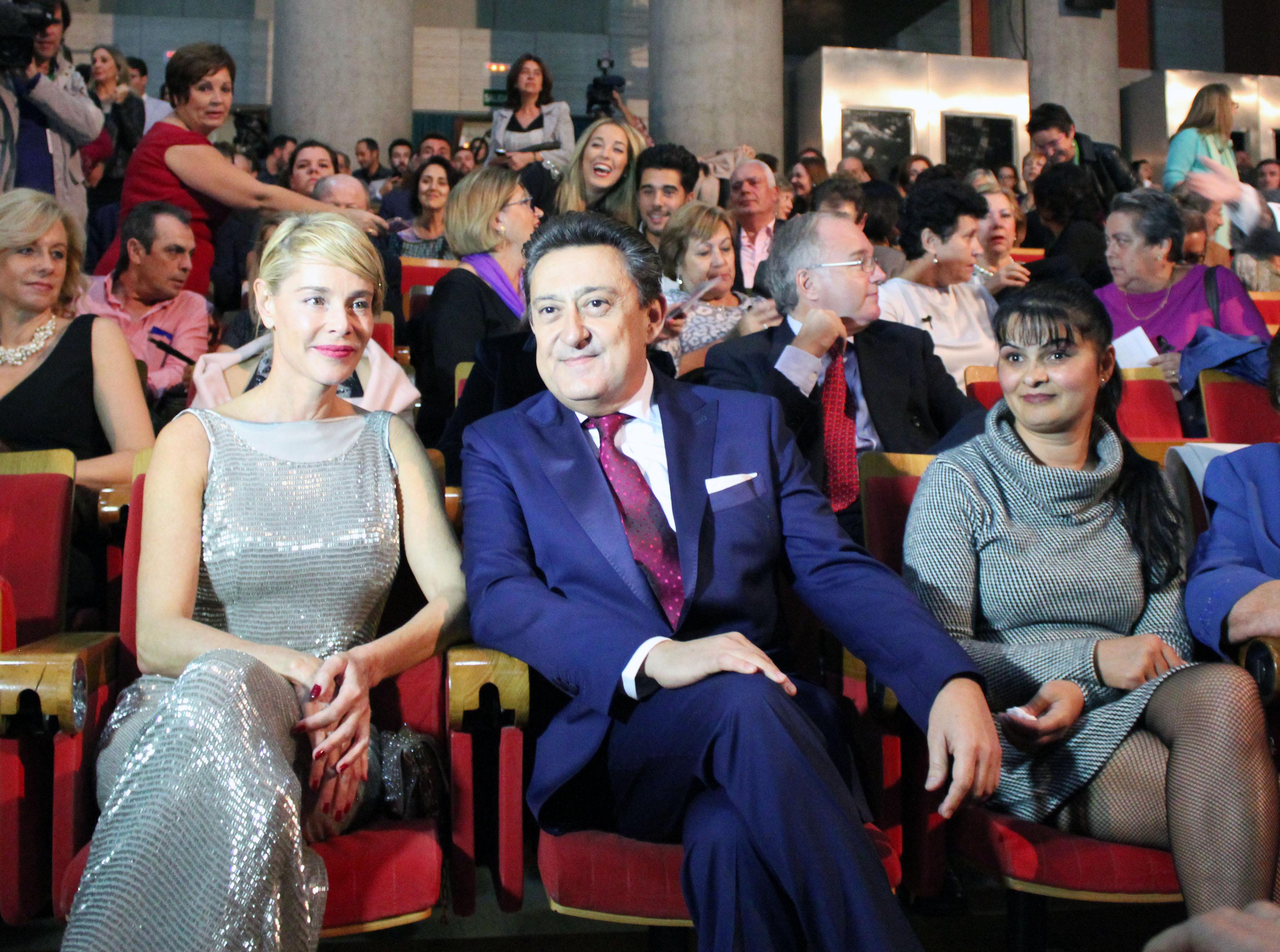 Belén Rueda recibe el premio Ciudad de Huelva, emocionada porque su hija se encontraba en la capital francesa durante el atentado