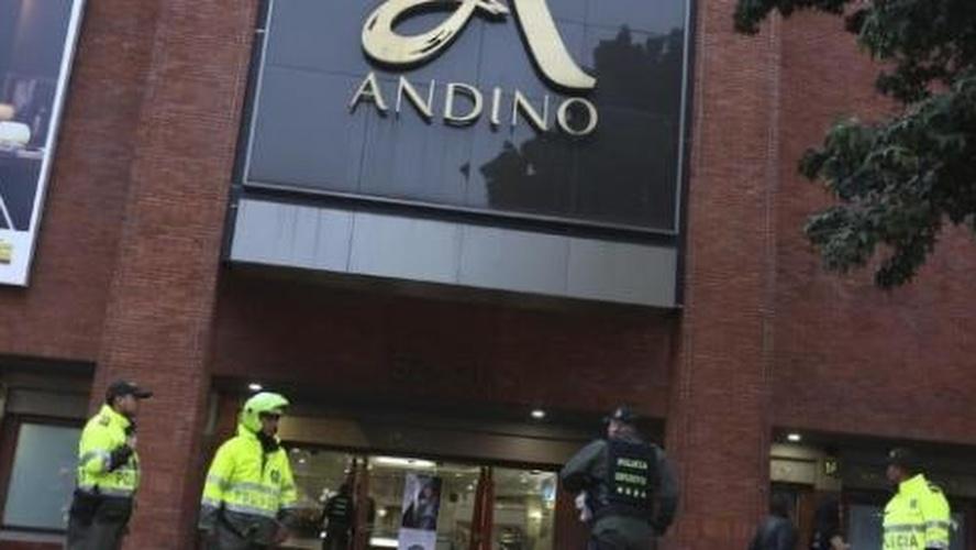 Video: Bogotà: attentato in un centro commerciale