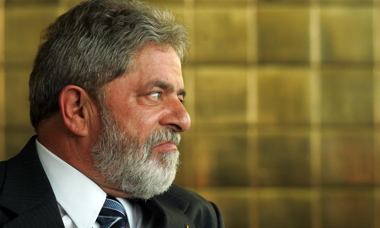 José Dirceu faz ameaça e favorece Michel Temer