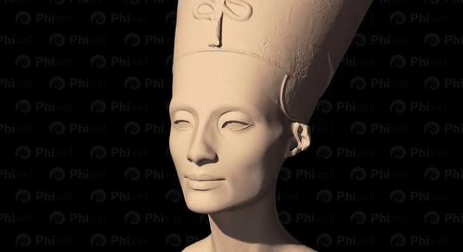 El padre de Nefertiti consiguió evadir los problemas de Akenatón
