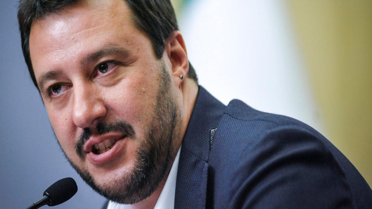 Video: Salvini: no al sequestro delle navi ONG, bisogna affondarle